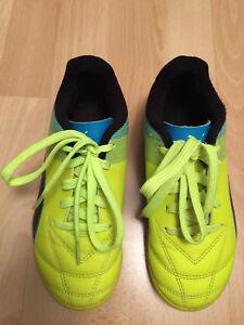 chaussure de foot puma future taille 33