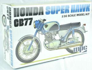 MPC-Honda-Super-Hawk-CB77-1-16-Scale-Plastic-Model-Motorcycle-Kit-898