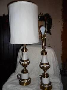 2-Vintage-Retro-Tall-Ornate-Stiffel-Enameled-Brass-Hollywood-Regency-Table-Lamps