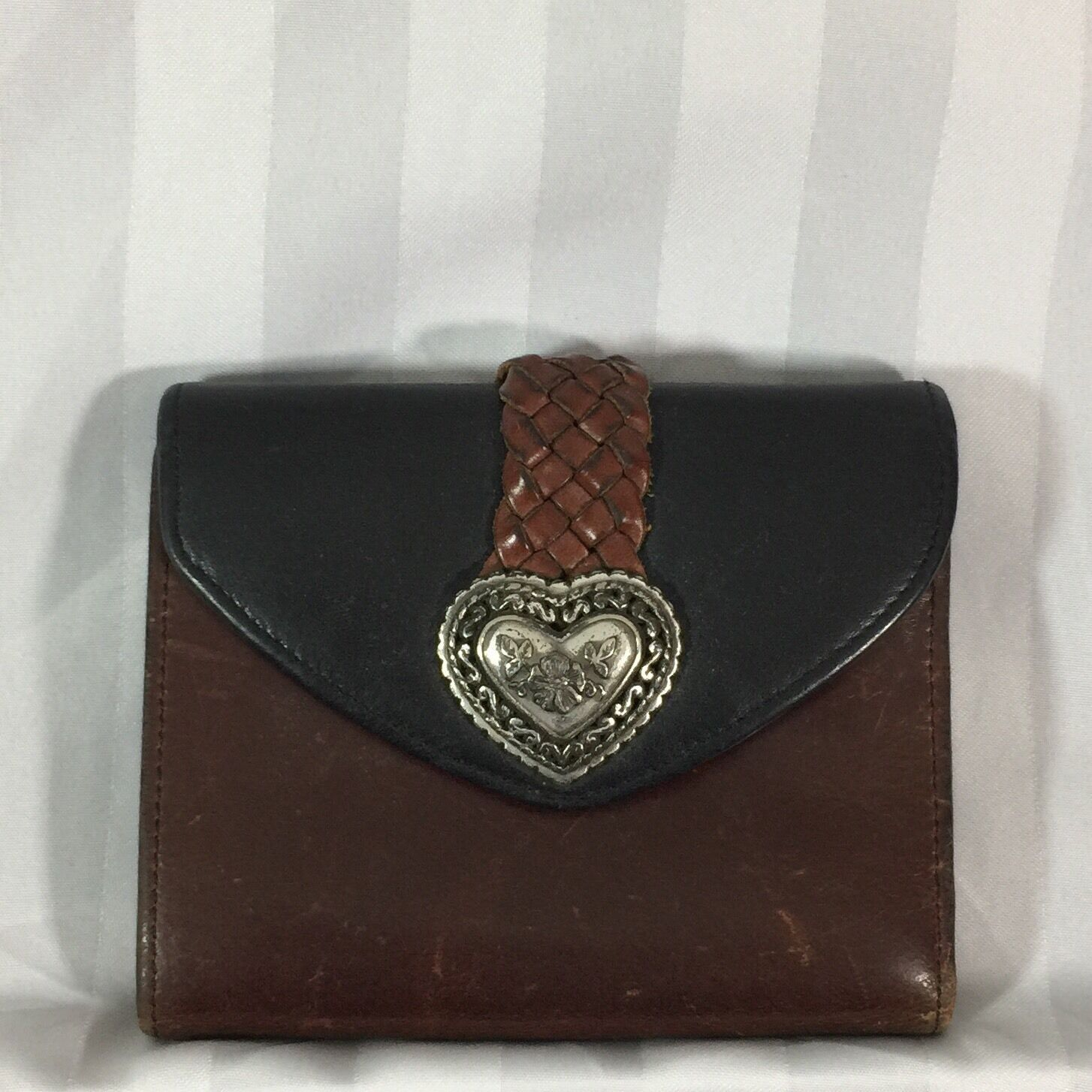 Brighton Brown Black Leather Compact Wallet Credit Card Silver Tone Heart