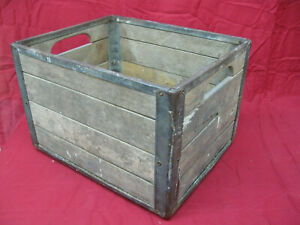 Vintage-Wooden-Milk-Crate-9-49-Cumberland-Case-Co-Chattanooga-Tenn