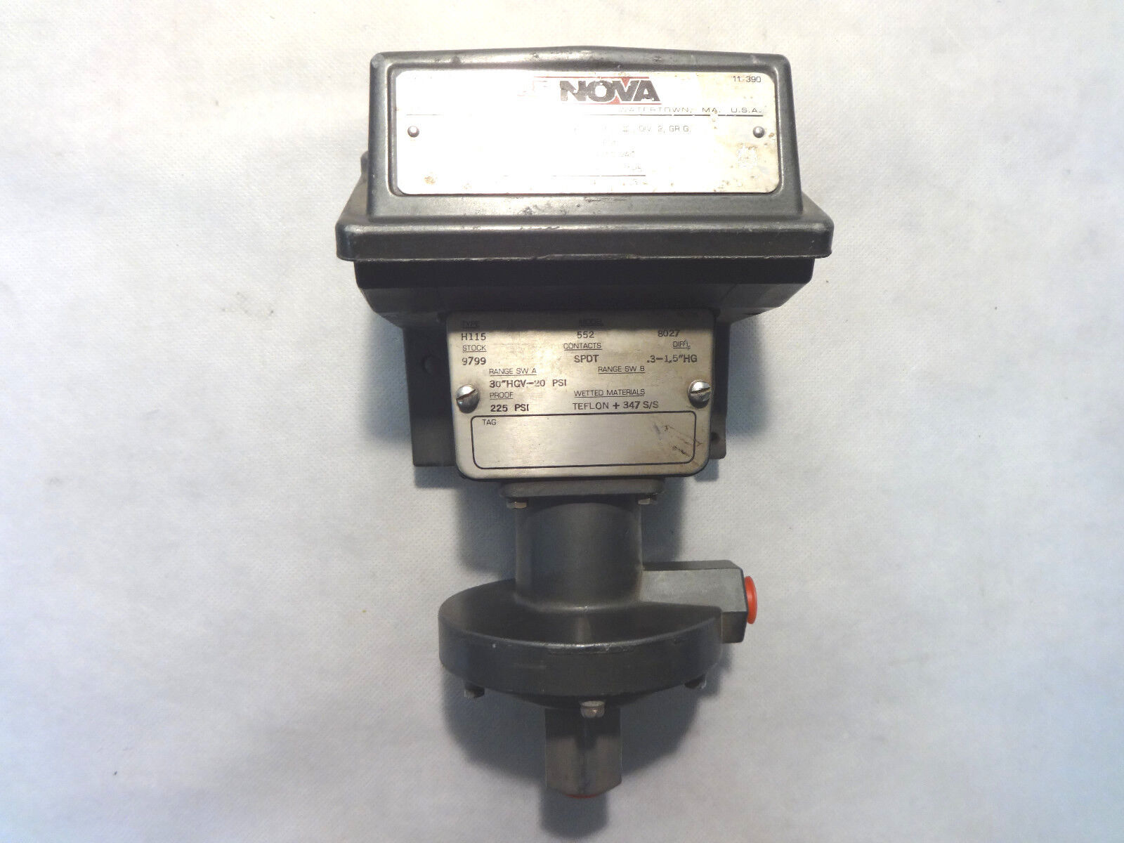 NEW UNITED ELECTRIC NOVA TYPE H115 MODEL 552 PRESSURE CONTROL