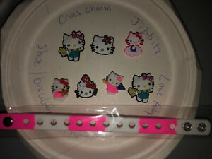 Hello-Kitty-Lot-Of-7-kid-Bracelet-4-Crocs-Shoe-Lace-Adapter-Charms-Jibbitz
