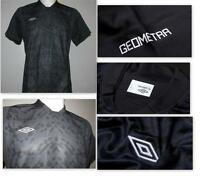 Umbro Geometra Graphic Poly Knit Mens Football Training Jersey T-shirt - Carbon