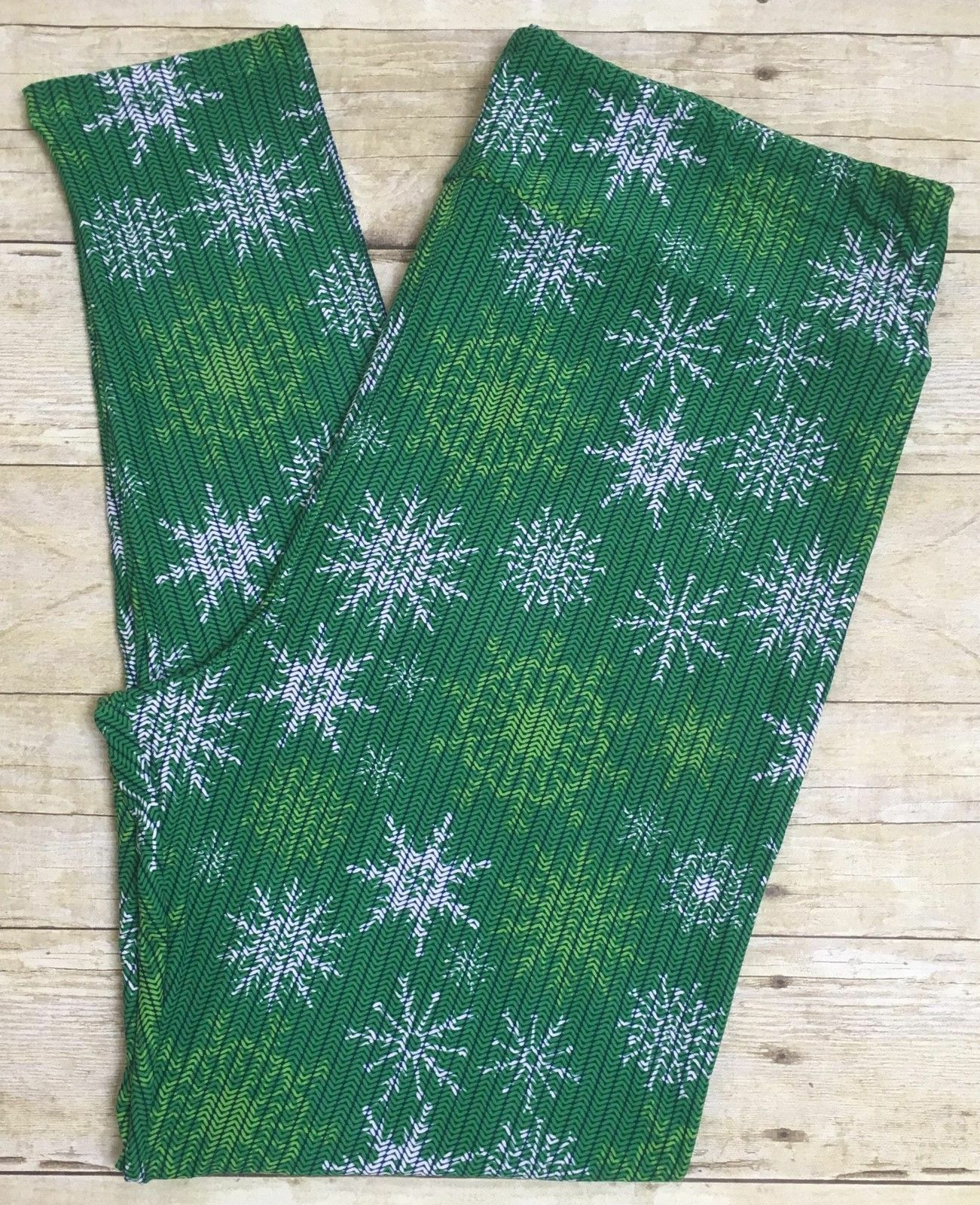 2017 LuLaRoe Christmas Leggings Green Snowflakes TC2 Legging