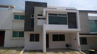 Casa en renta 3 recamaras y estudio,  Lomas de Angelopolis zona azul.