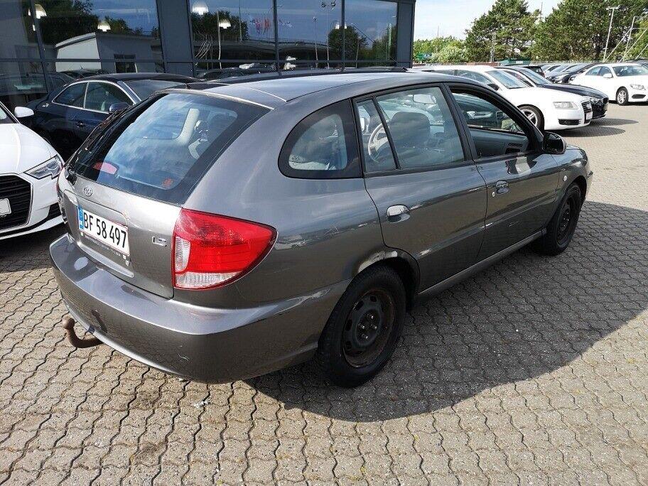 Kia Rio 1,5 Combi Coupé Benzin modelår 2005 km 236000 Grå