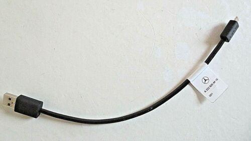 Adaptador cable mercedes micro USB cable de carga smartphone a2228204415 q01
