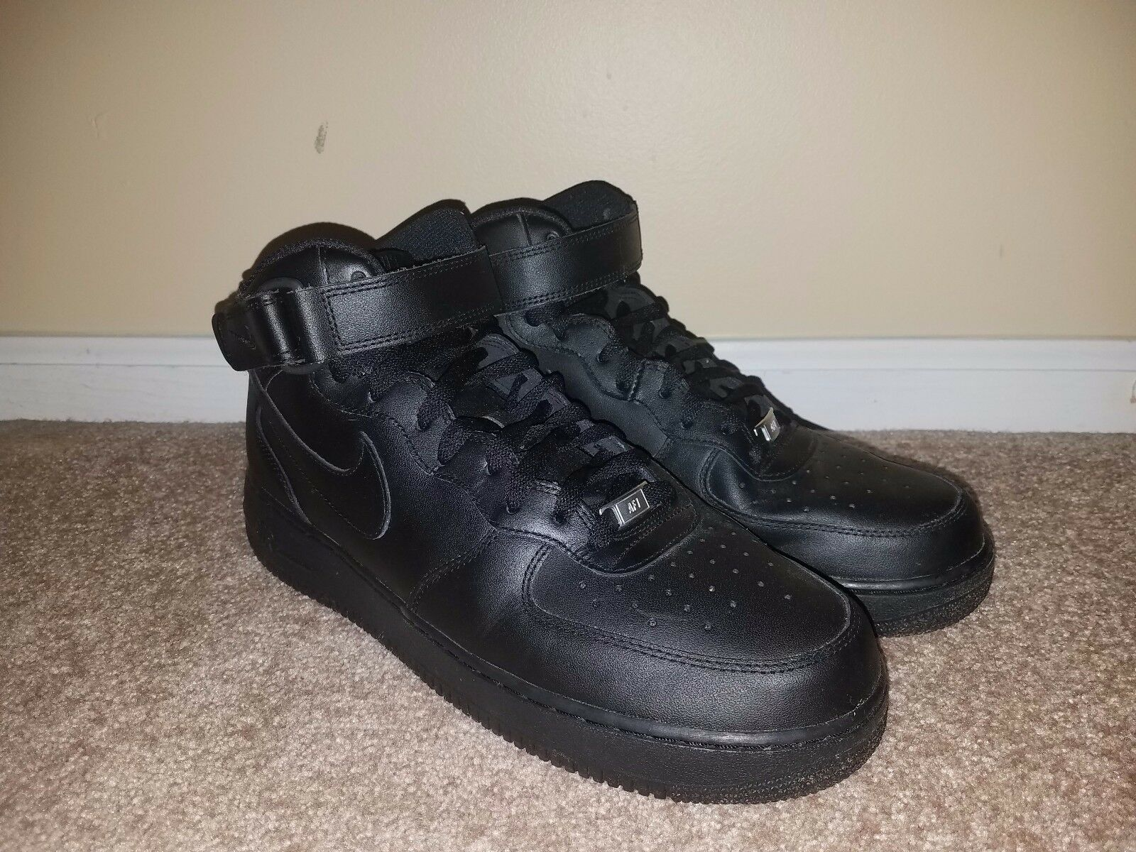 Black Nike Airforce 1 Mid 07, Size 11.5
