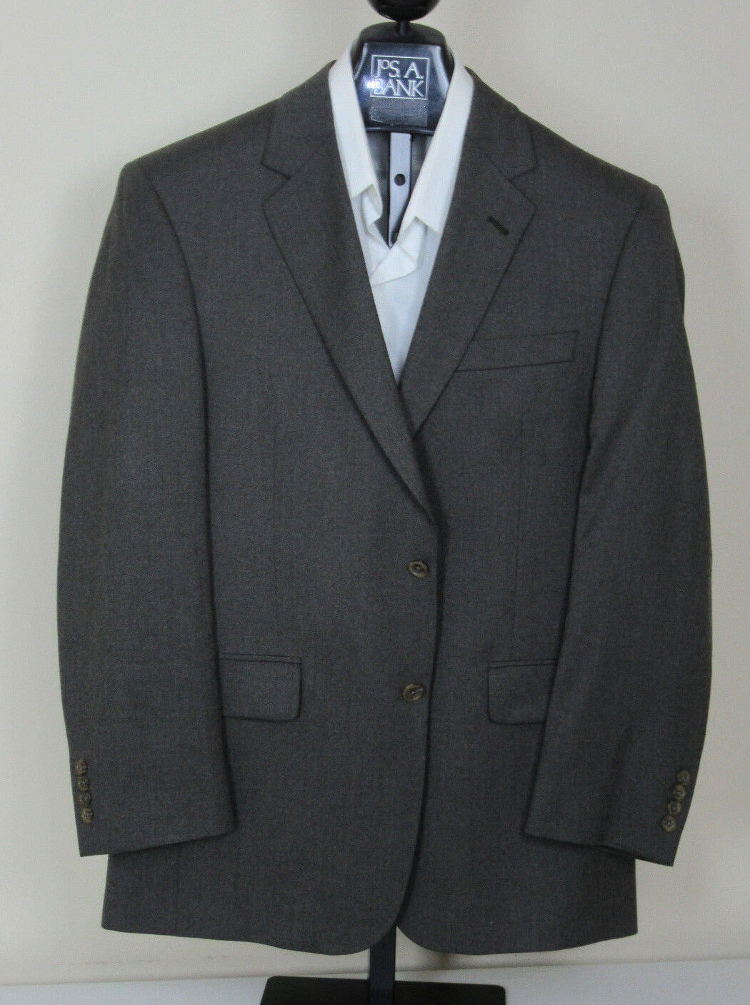 New Jos A Bank Executive solid Olive suit 41 R 35 W regular fit