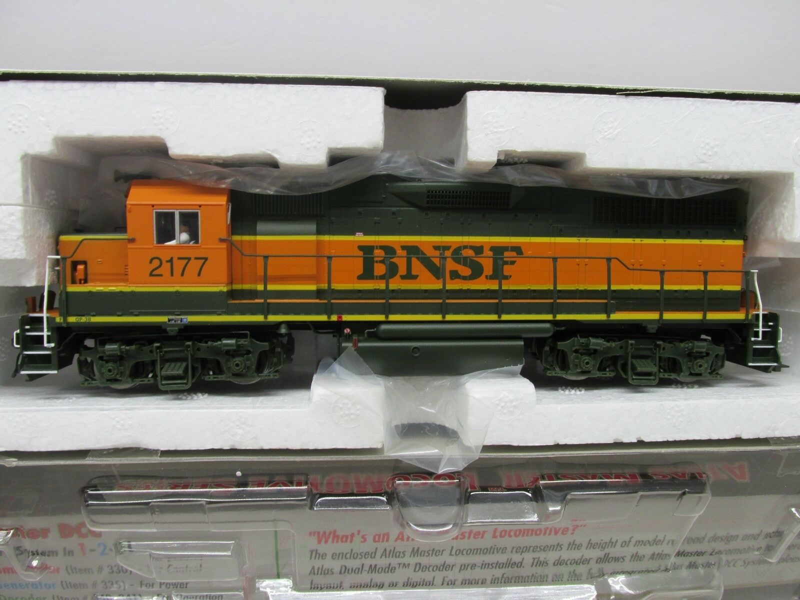 ATLAS   MASTER BNSF GP-38 LOCOMOTIVE DCCHO SCALE