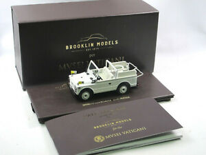 Brooklin-fuer-Musei-Vaticani-1980-Fiat-1107-Nuova-Campganola-Papamobil-1-43