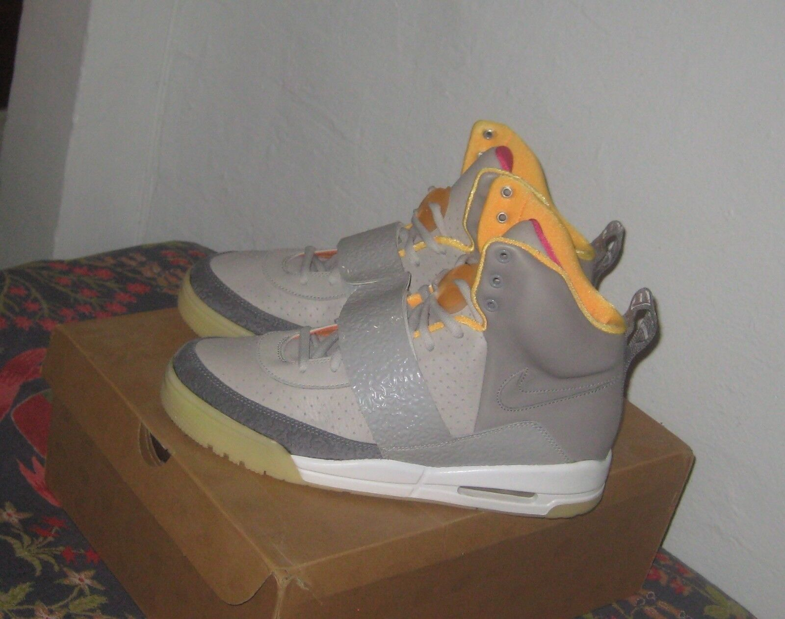 Nike air yeezy 1 batter zen luce grigia carbone batter 1 tan kanye west 2009 11 nuove dimensioni 0644d3