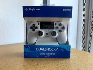 NEW Sony DualShock 4 Wireless Controller for PlayStation 4 (PS4) - Glacier White