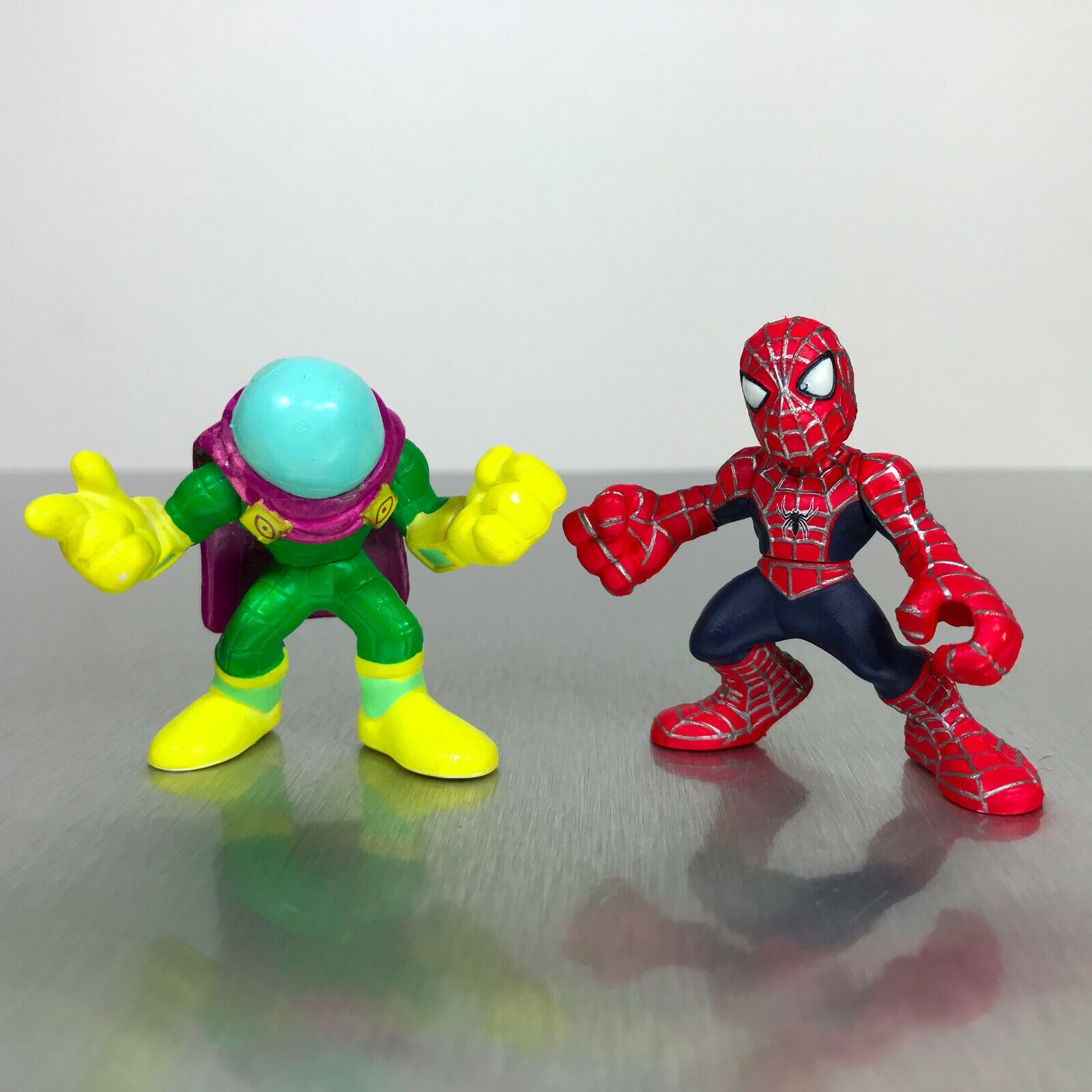 Rare Random 1pcs Hasbro Marvel Squad Heroes SpiderMan Spider Man Stunt City