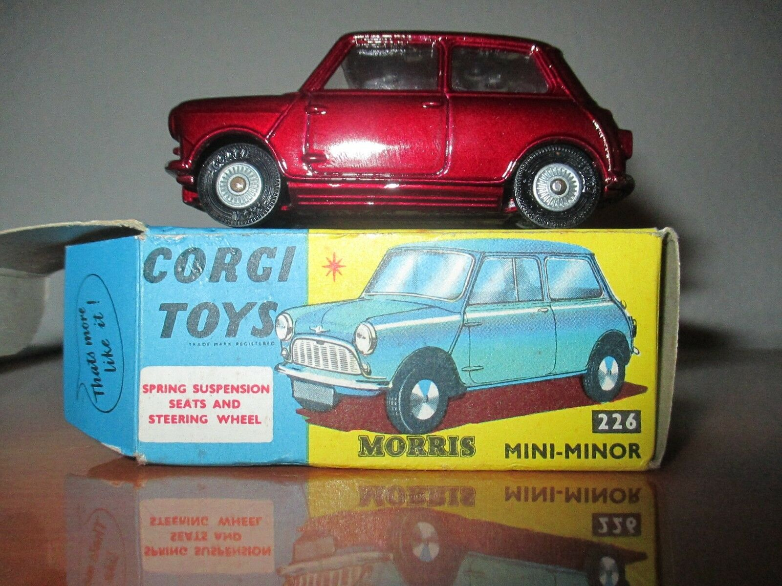 Corgi toys morris mini minor ref 226 with original box mint