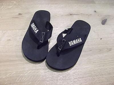 YAMAHA Flip Flop schwarz Badeschuhe Badelatsche versch. Größen NEU