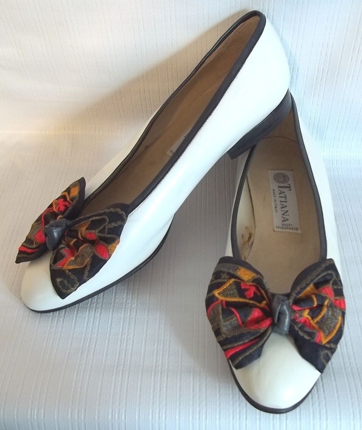Tatiana White Flats colorful Bow Womens shoes  Size 37 (SL 151)