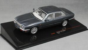 Ixo-Jaguar-XJ8-en-Gris-Metalico-1998-X308-CLC289-1-43-nueva-version-2019