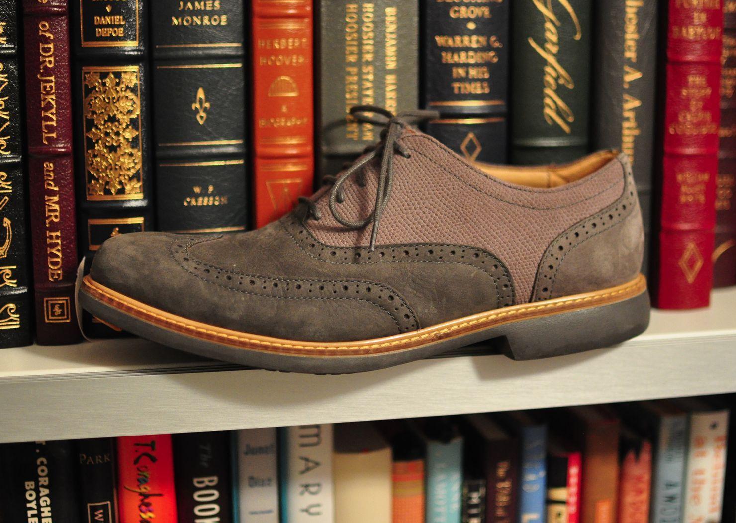 Great Jones Cole Haan  WingTips OxfordsSuede  Schuhes  Haan Men Sz 8.5 M a985f9