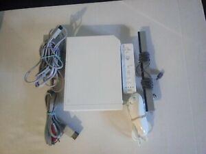 Nintendo Wii Gaming Console Sensor + Cords w/remote Gamecube Compatible White.