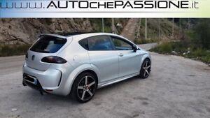 Coppia-MInigonne-per-Seat-Leon-1P-modello-R20-R-LINE-2005-gt-2012-Materiale-ABS