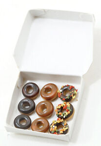 Dollhouse-Miniature-Donuts-in-Box-1-12-Scale