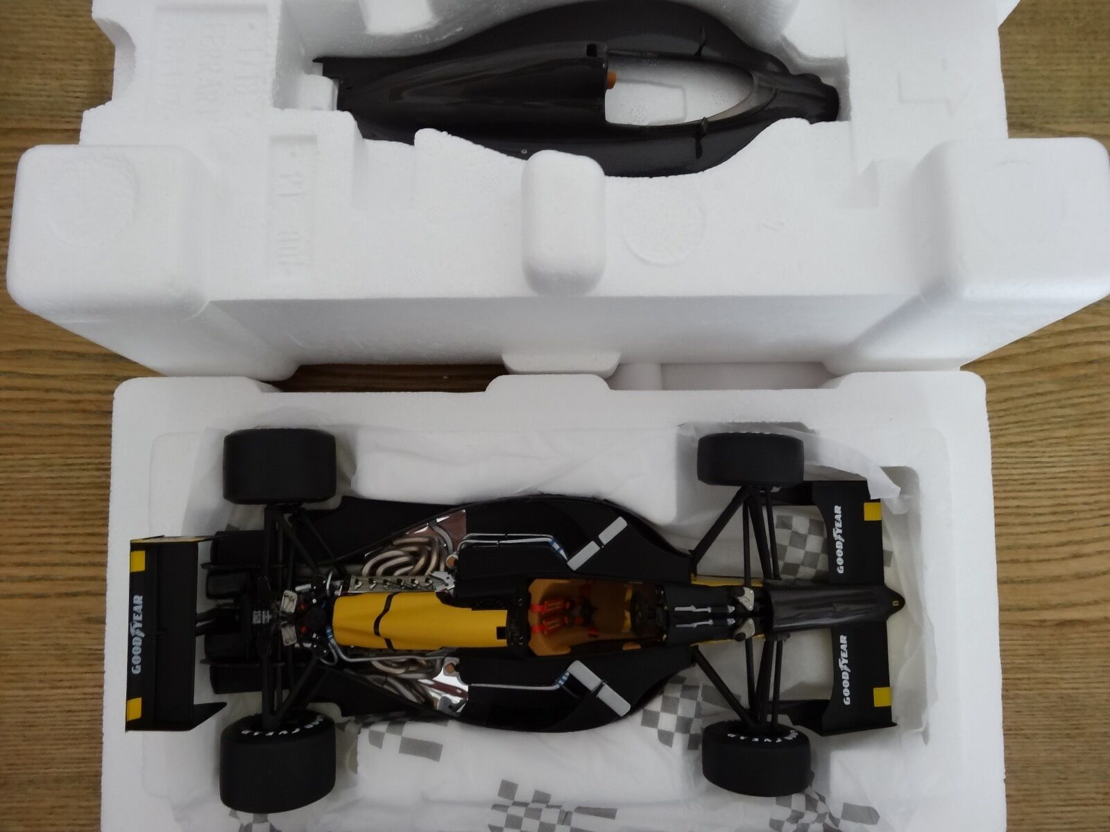F1 Ferrari 641 2 Test car negro carbon EXOTO 1 18