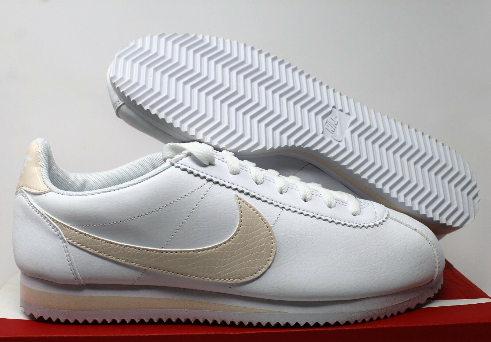 NIKE NIKE NIKE WOMEN CLASSIC CORTEZ LEATHER WHITE-GUAVA ICE SZ 11.5 5a7231