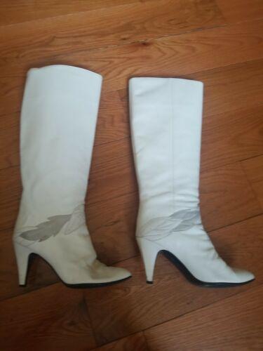 Gloria Vanderbuilt Vintage Off White Leather GO GO