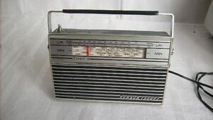 Schaub-Lorenz-Tiny-S-seltenes-Transistorradio-Kofferradio-Radio-Kabel-geprueft