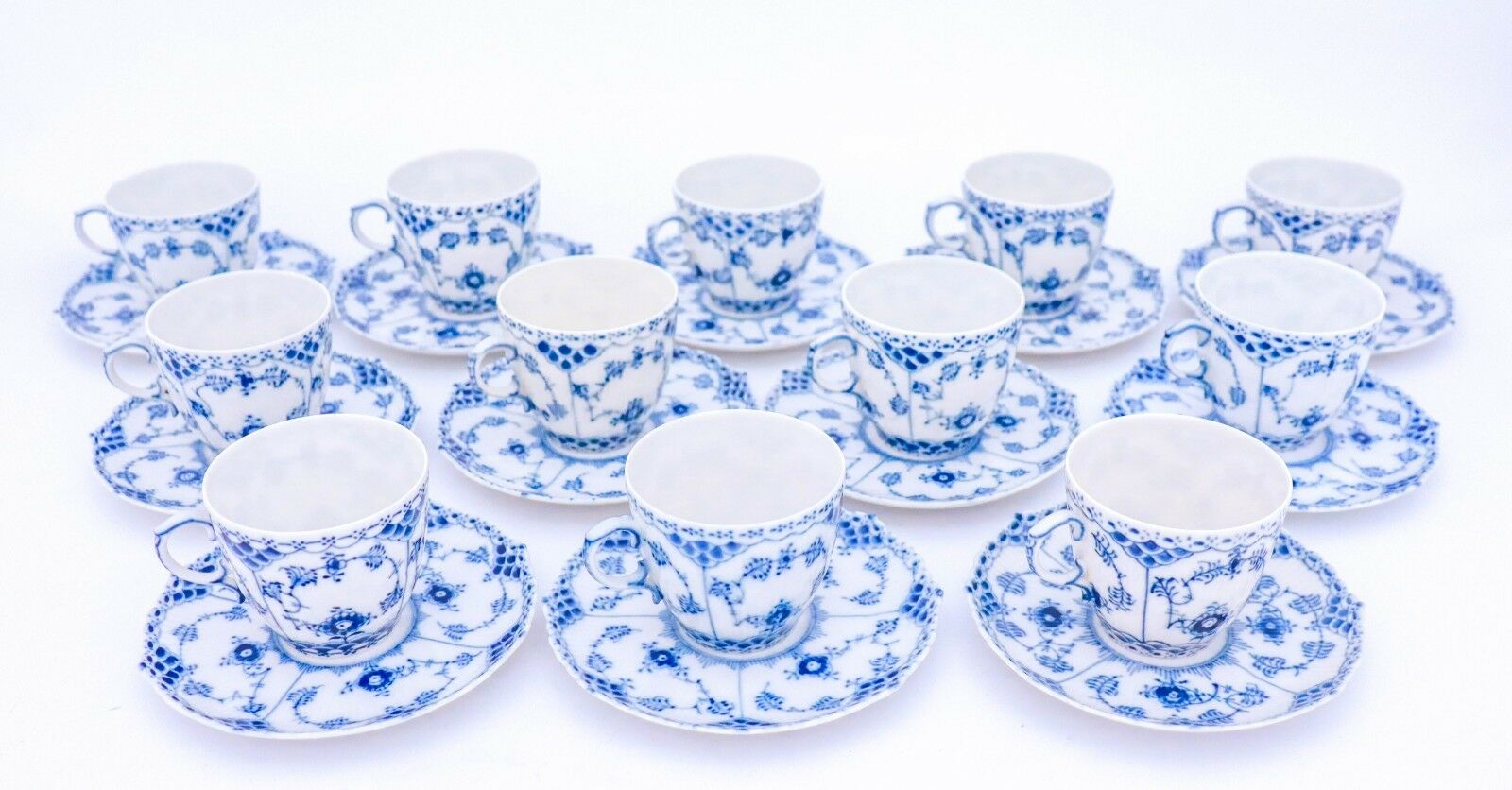 Image 3 - 12 Cups & Saucers #1035 - Blue Fluted Royal Copenhagen Full Lace - 1:st Quality