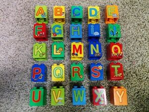 lego-duplo-2X2X2-brick-printed-letter-A-to-Z-pick