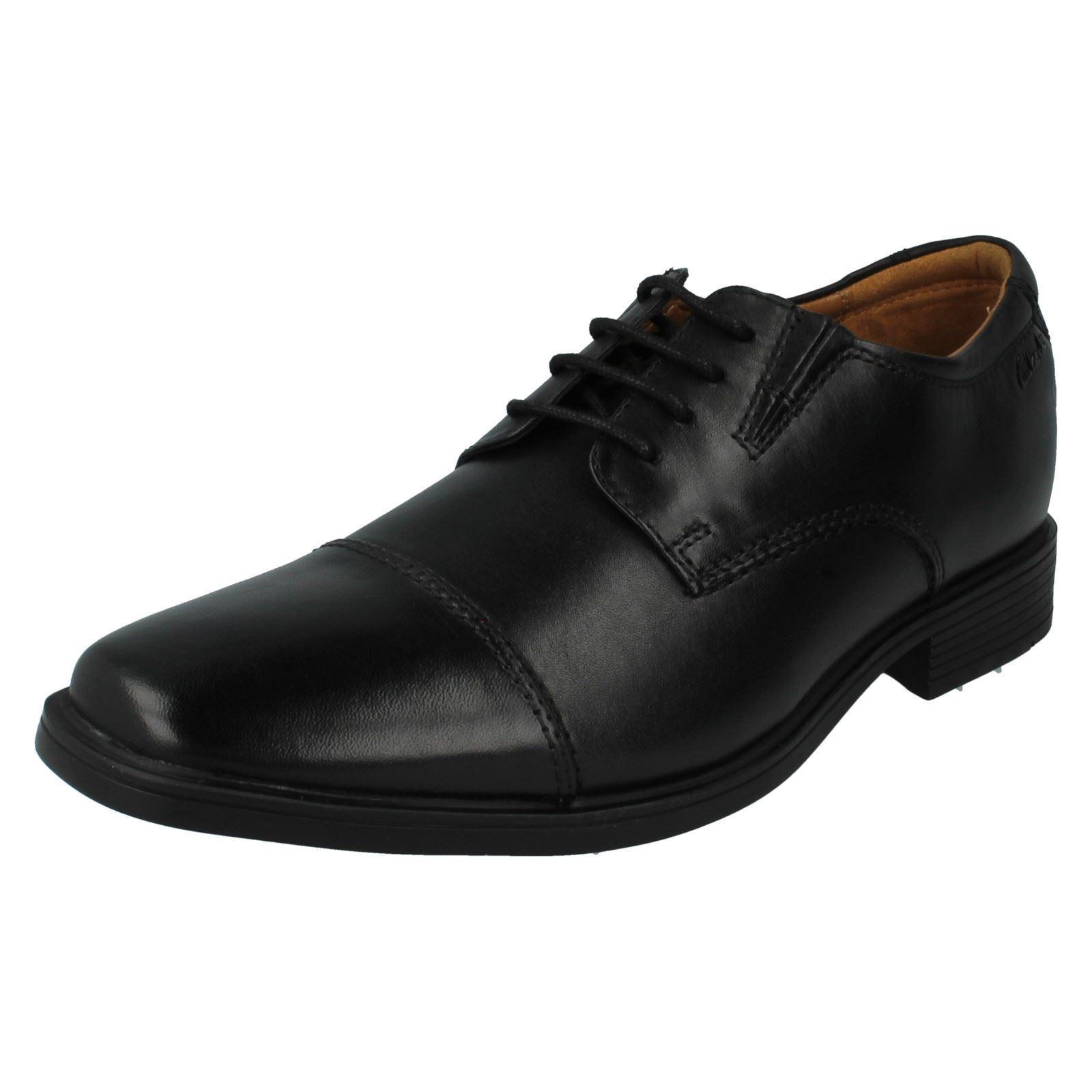 Hombre Clarks Negro Leather Cordones Tilden gorra
