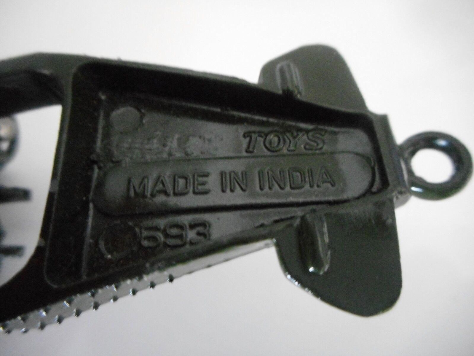 Des affiches pour des cadeaux, des coins coupés à à à envoyer! Joyeux Noël! NICKY Toys INDE INDIA 693 Canon 7.2 Howitzer  dinky   Pas Cher  d4a460