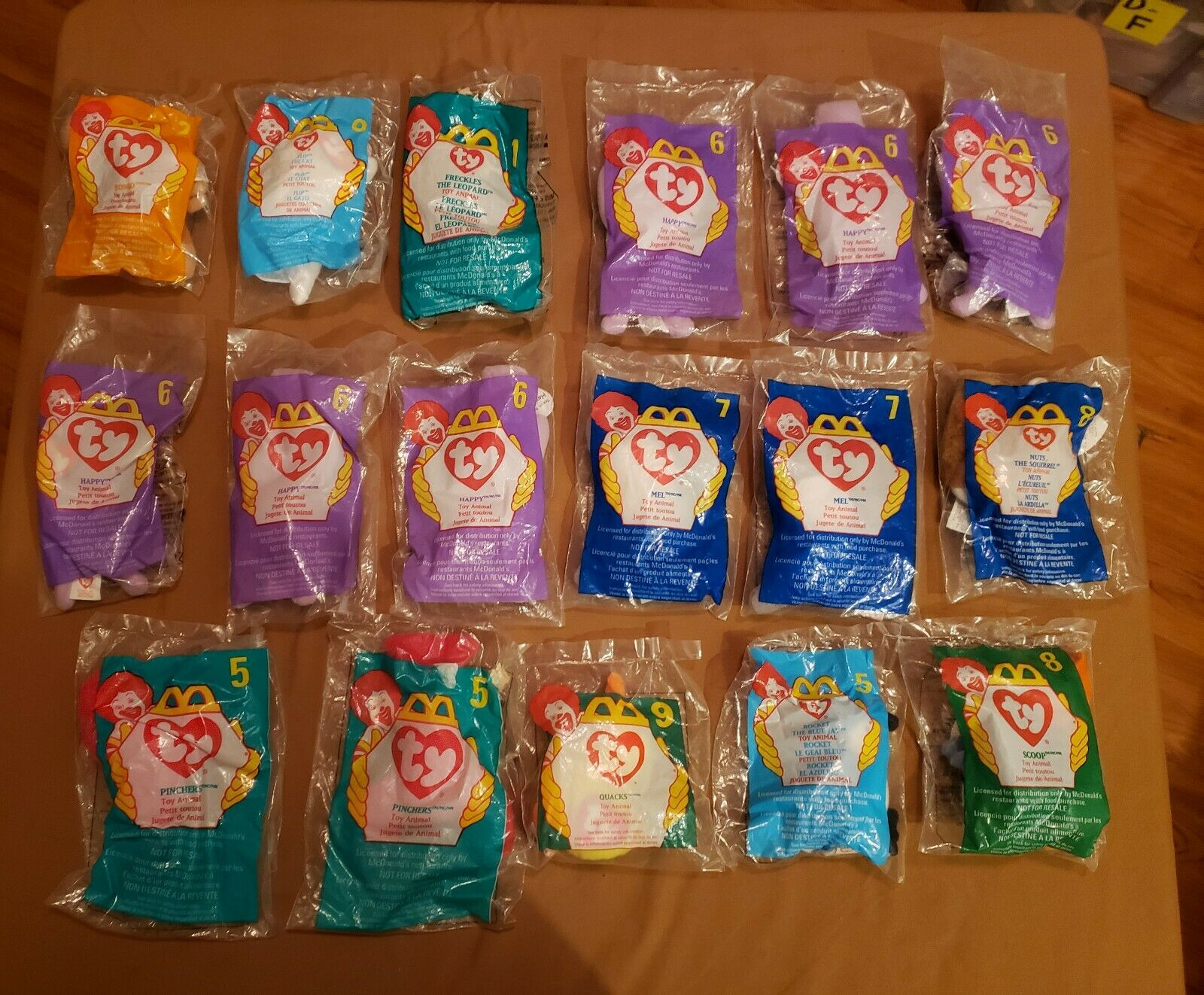 Lot of 102 Ty Teenie Beanies   BRITTANIA BRITTANIA BRITTANIA GERMANIA ERIN AND MORE    ERRORS RARE c9baf5