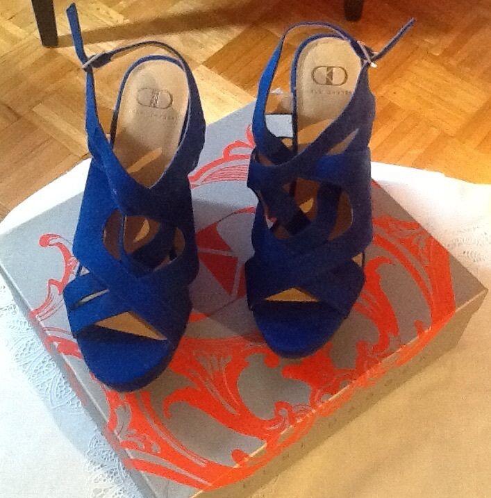 New Kelsi Dagger bluee Platform Sandal Size 9