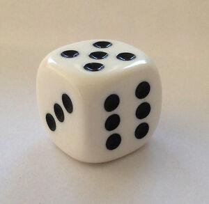 Wuerfel-Cube-Dice-fuer-Bastler-Schmuck-ca-20-mm-Kette-Mode-2-cm-Game-Spiel-weiss