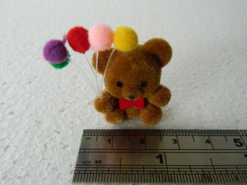 A3.26 1//12th scala casa delle bambole piccole Teddy Bear Con Palloncini