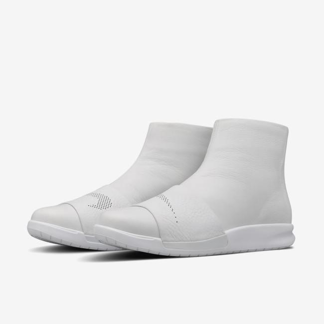 Women's Nike Benassi Boot Lux - Size 10