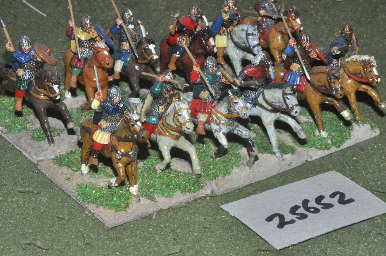25mm roman era   goth - heavy 12 figures - cav (25652)
