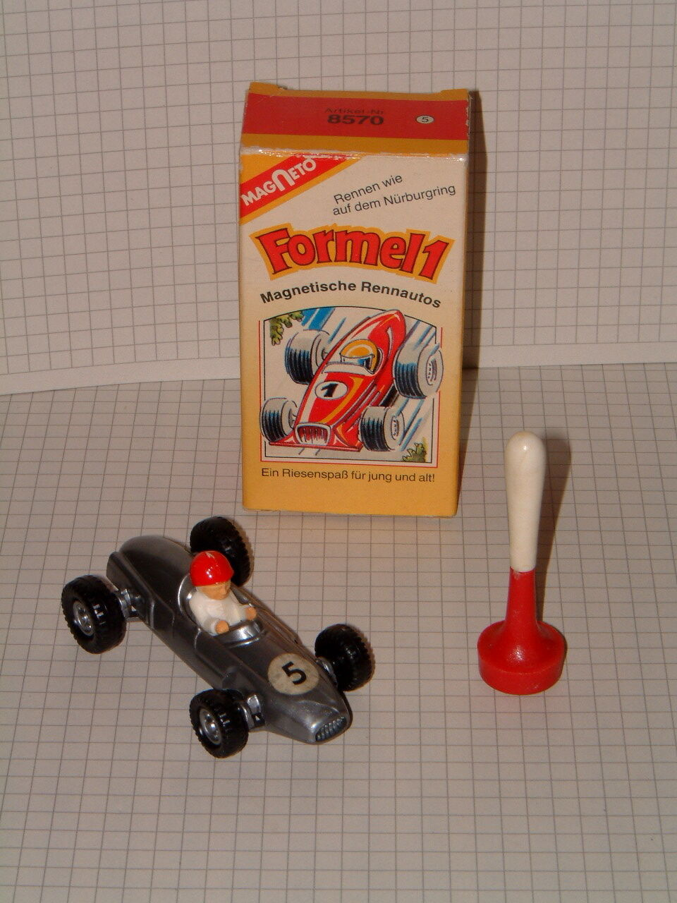 MAGNETO VINTAGE  FORMEL 1 , MADE IN WESTERN GERMANY IN ORIGINAL BOX.