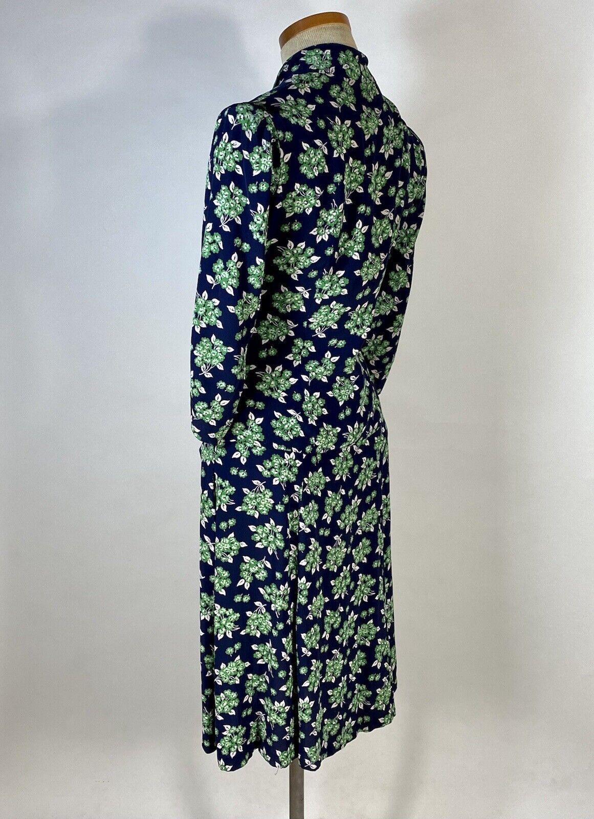 Vintage early 1940's floral silk crepe 2-pc. skir… - image 4