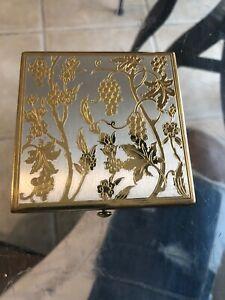 Vintage-Gold-Plate-Makeup-Blush-Compact-Estate-Antique-Wadsworth-Powder-Case-USA