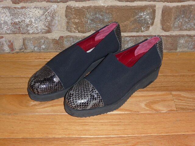 Donald J. Pliner Microfiber Croc Toe Cap and Heel Sz 6.5