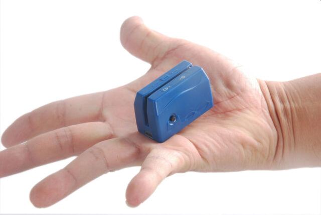 Portable magnitic strip reader
