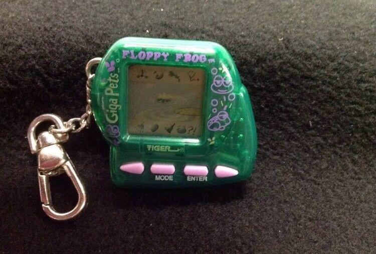 FLOPPY FROG Giga Pets 1997 Tiger Handheld Electronic Virtual Pet Game Green EUC
