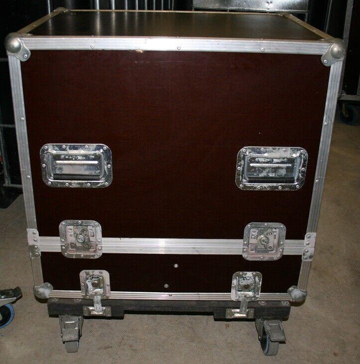 Flightcase Hoz Aluminium auf abnehmbarem Rollbrett gebraucht
