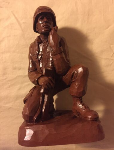 1991 Red Mill Mfg Wetherbee Crushed Pecan Shell Soldier Statue GI Infantryman