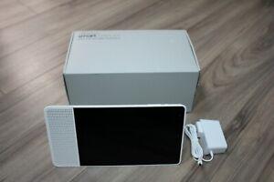 Lenovo-8-034-Smart-Display-with-Google-Assistant-ZA3R0011CA